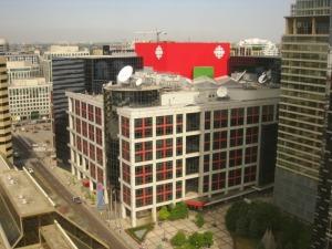 Bâtiment de CBC, le France2 du Canada, vu depuis la chambre