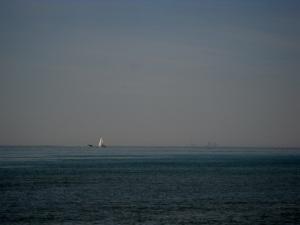 Vous voyez la tour au loin sur l'horizon... C'est...