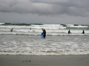 Surfeurs à Long Beach