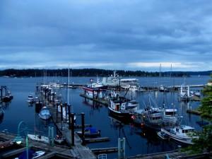 Vue nocturne du port de Nanaimo