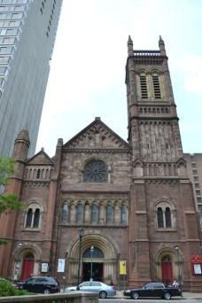 04-Eglise pres de l'hotel de ville