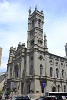 07-Une eglise a la tour carree