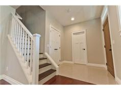 Escaliers + entrée