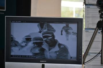 Nathan et Chris filmé par une caméra infrarouge