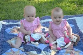 """Les cousines en mode """"jumelles"""" (seule et unique tentative.. trop bizarre !)"""