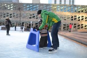 Nathan apprend à patiner