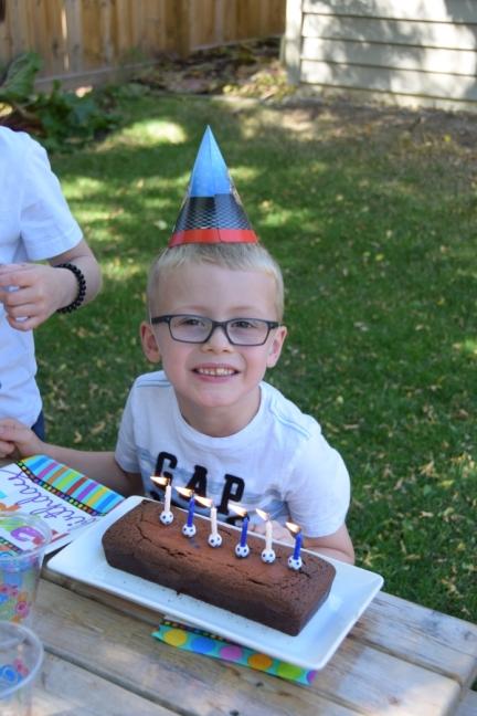 Nathan fête son anniversaire avec deux copains