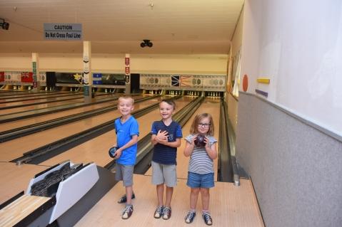 Champions de bowling - des quilles en fait, idéal pour eux
